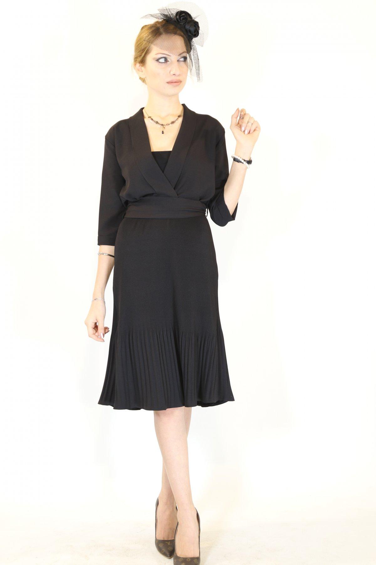Kol Katlı Etekaltı Piliseli Kruvaze Elbise