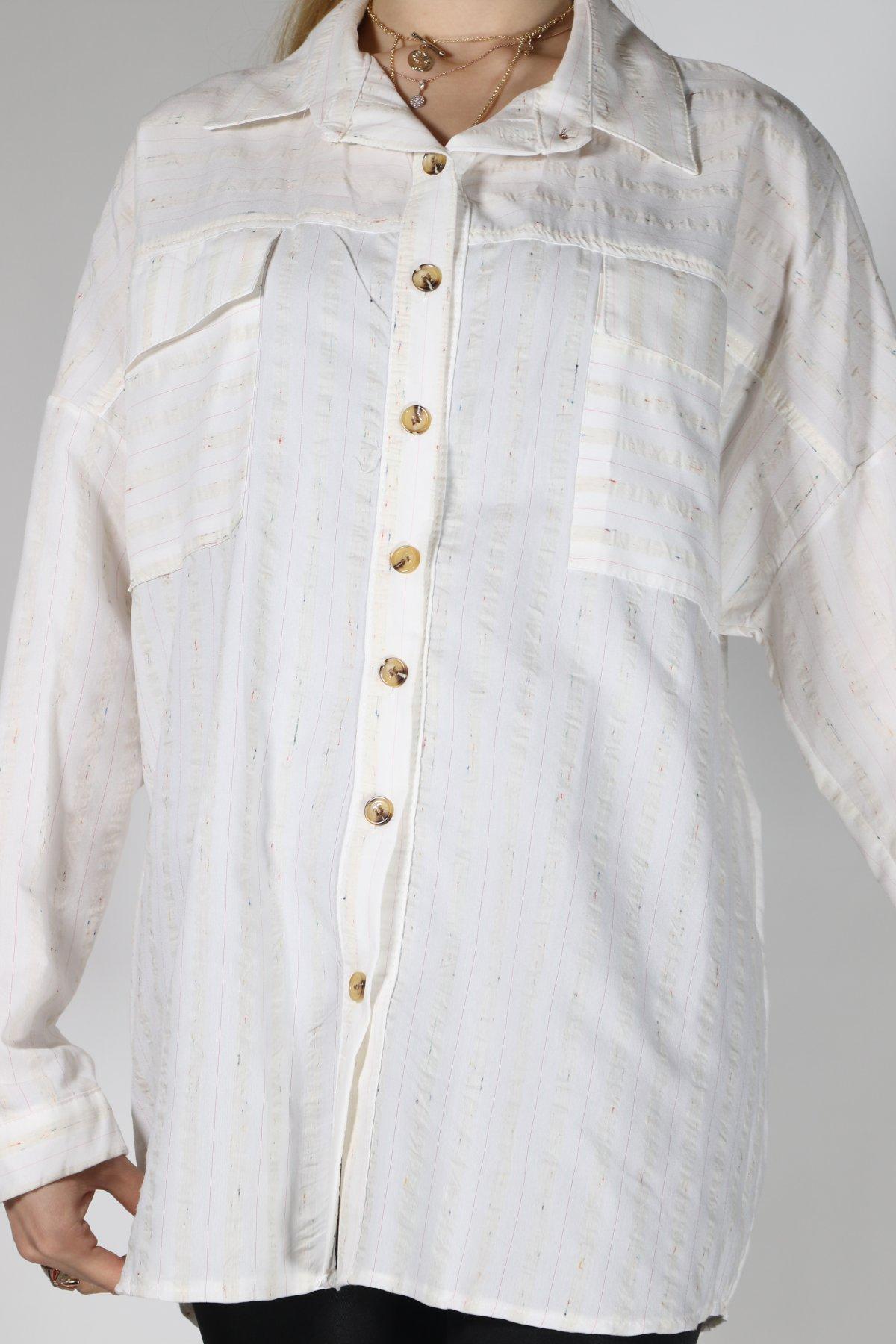 Ön Düğme Çizgili Gömlek
