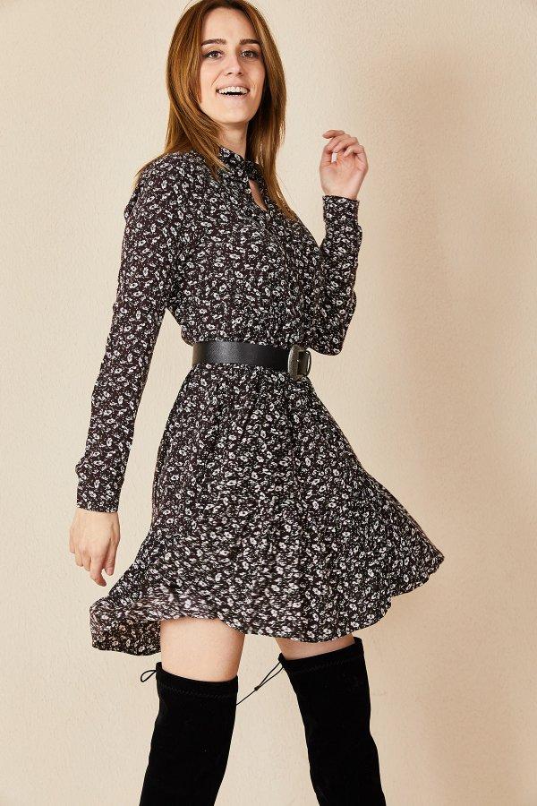 Dokuma Düğmeli Büzgü Detaylı Elbise