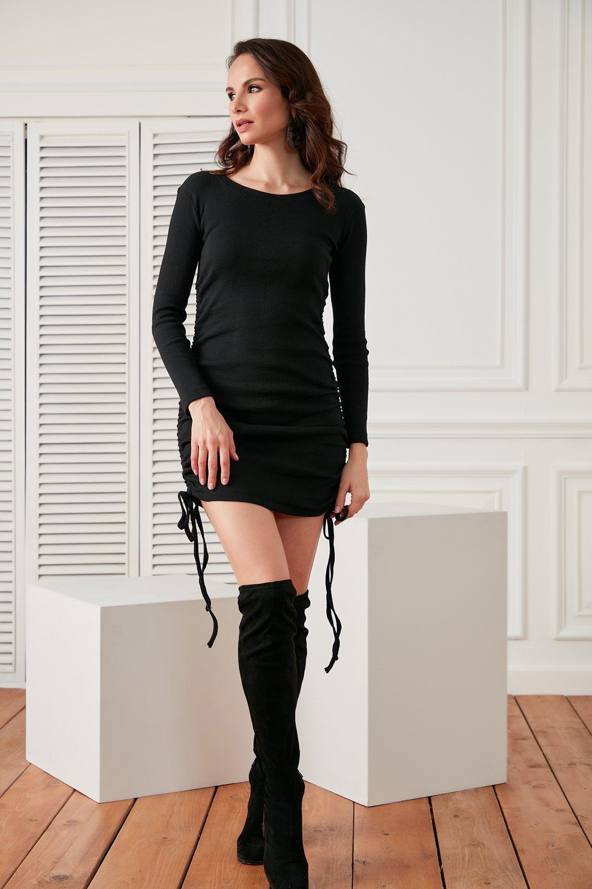 Yanları Büzgülü Kaşkorse Elbise