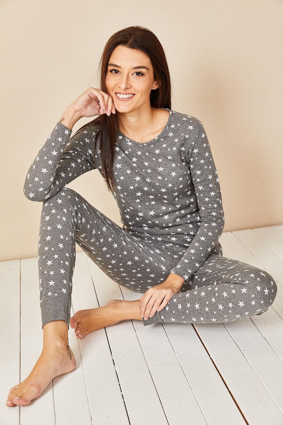Yıldız Baskılı Pamuklu Uzun Kol Pijama Takımı