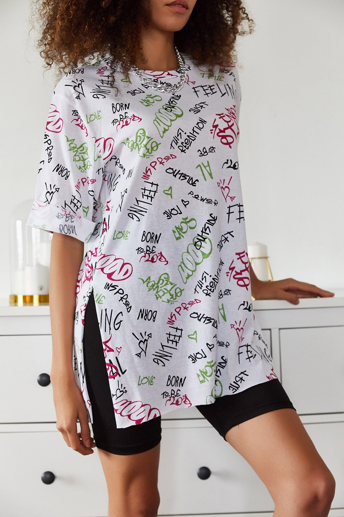 Baskılı Yandan Yırmaçlı Oversize Viskon T-shirt